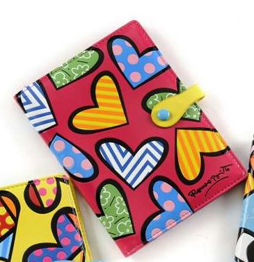 ROMERO BRITTO PASSPORT COVER PINK WITH HEARTS