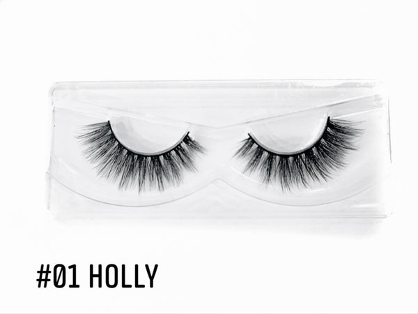 "Living the Gleam lashes ""HOLLY"""
