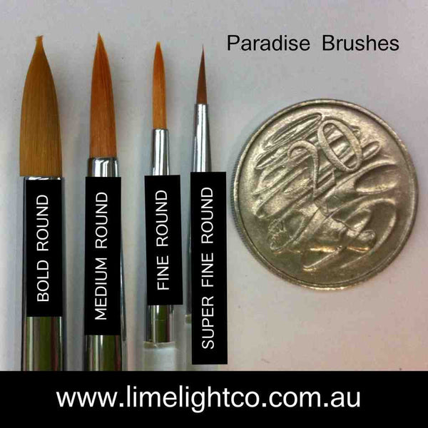 Paradise Medium Round Brush 814