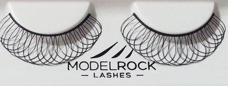 Model Rock Lashes LOOP DE LOOP