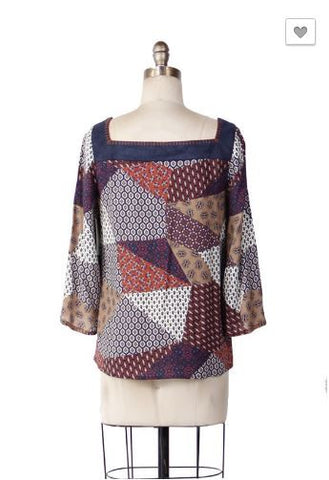 3/4 Sleeve Patch Print Top with Contract Neck Band