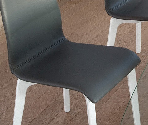 Modern wooden base Jude-L Side dining chair in Black leatherette by Domitalia