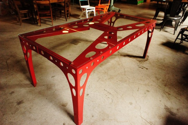 Pk10 Dining Table in Red