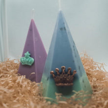 Load image into Gallery viewer, Stress Relief Pyramid Candle - GULA MAGICK
