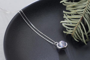 Minimal Grey Moonstone Necklace - GULA MAGICK