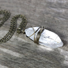 將影像加載到庫檢視器中, Clear Quartz Stone Necklace - GULA MAGICK