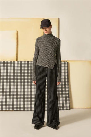 0281845503 Monotone Tweed Sweater with Asymmetrical Hem