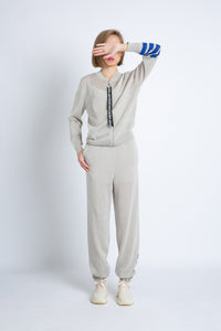 0281928861 Knitted pants with contrast stripes