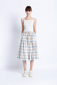 028192A101 Table check swing skirt