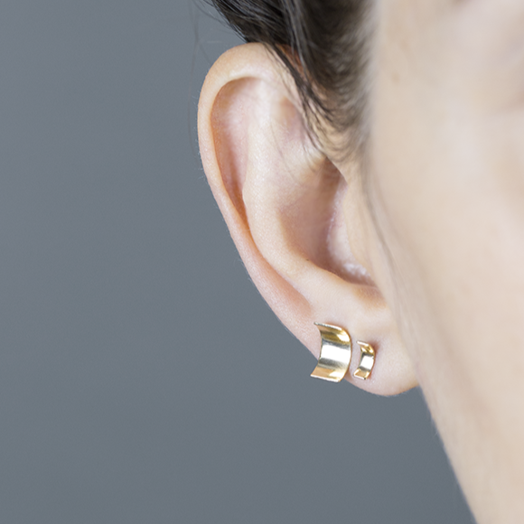 white/space jewelry mid medium ramp studs 14k gold