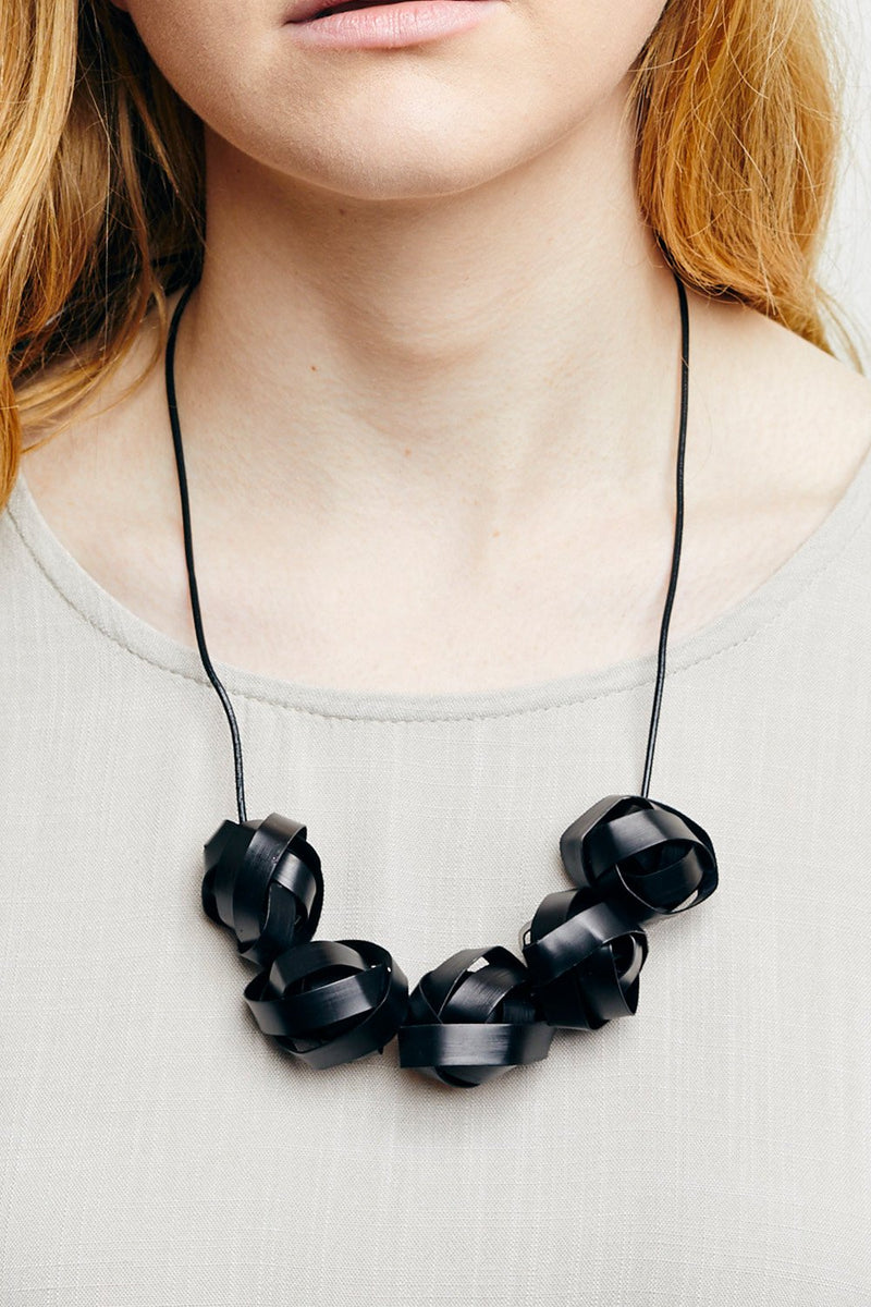 SCRUNCH BALLS thick NECKLACE
