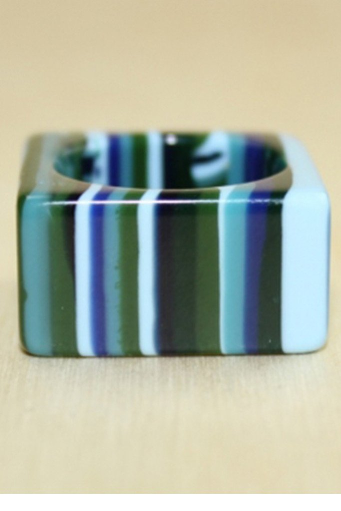 LICORICE SQUARE RING