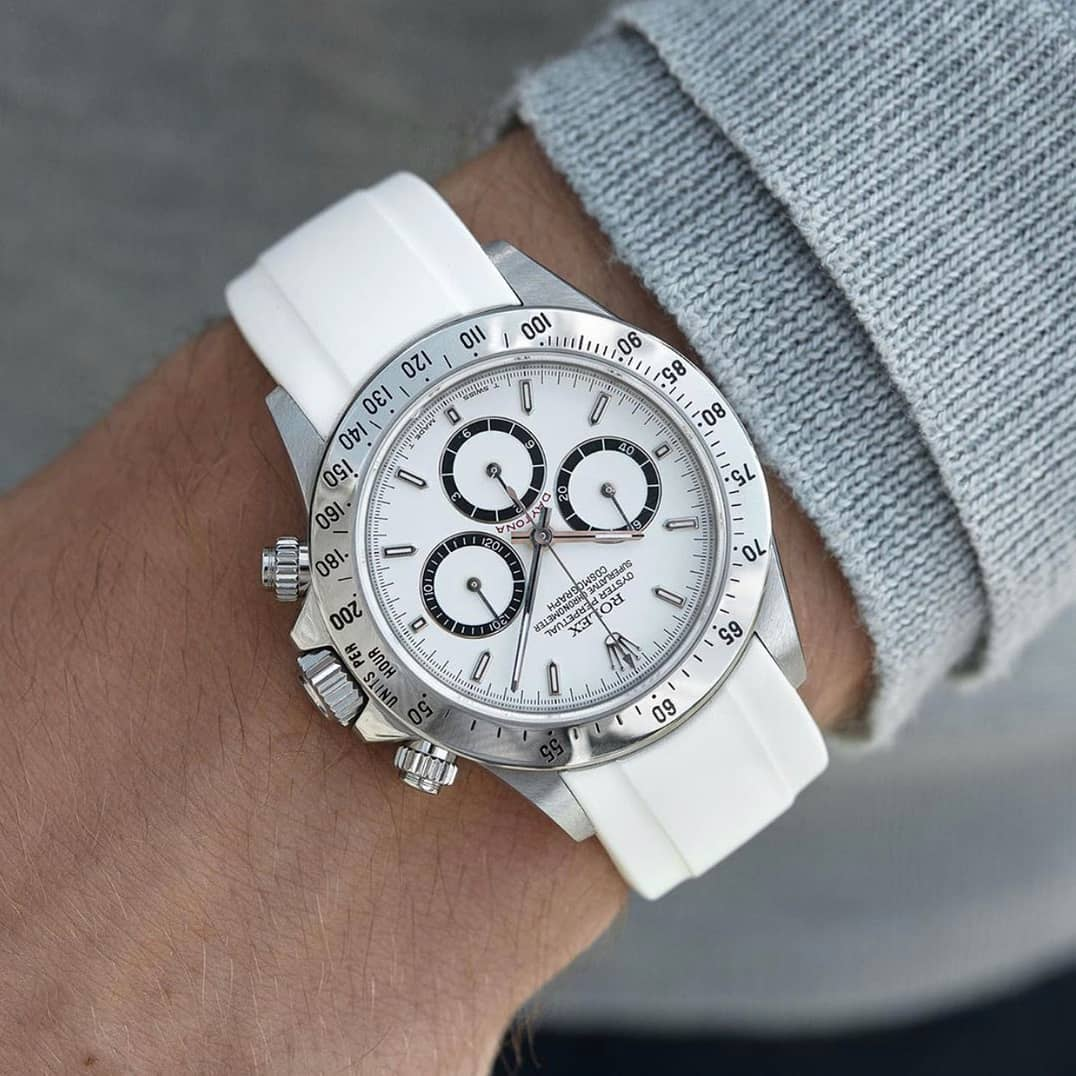 rolex daytona with white dial on white rubber everest band
