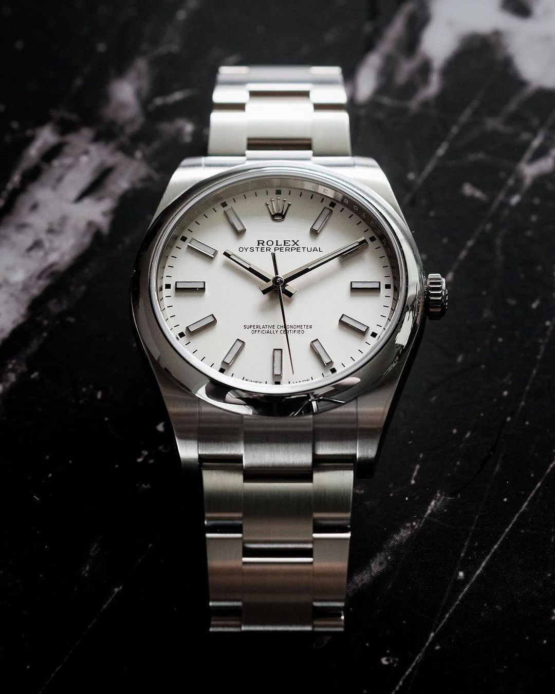 rolex oyster perpetual 39 mm with white dial