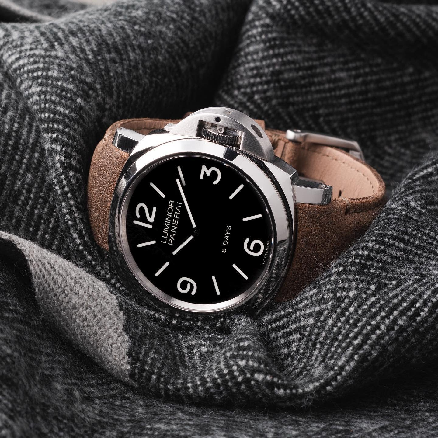 panerai on leather aftermarket strap