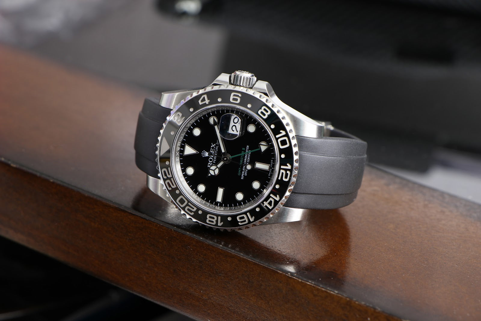 rolex submariner on black rubber strap for small wrists