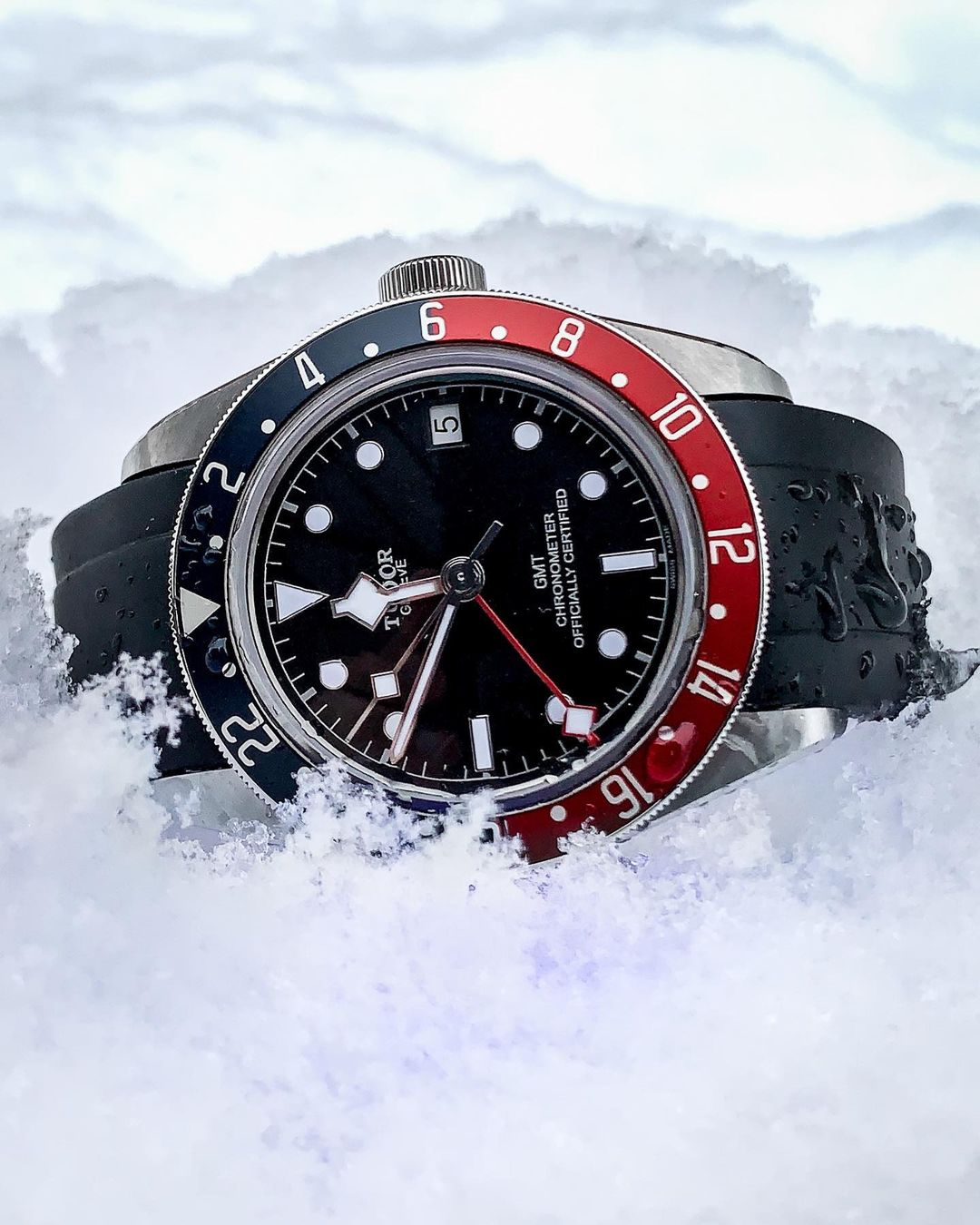 tudor watch on rubber everest band in snow