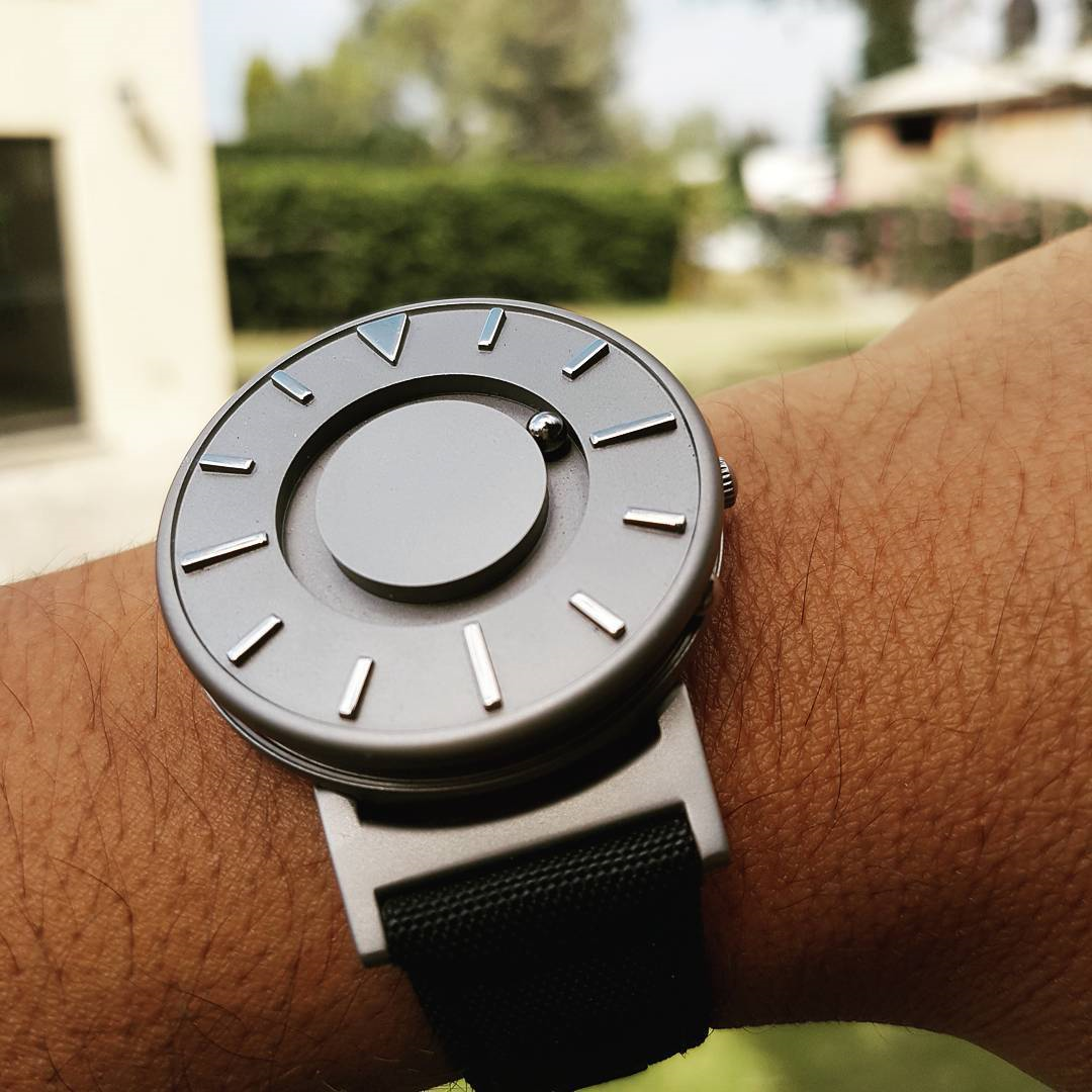 A Blind Celebrity and the Accessible Watch He Wears
