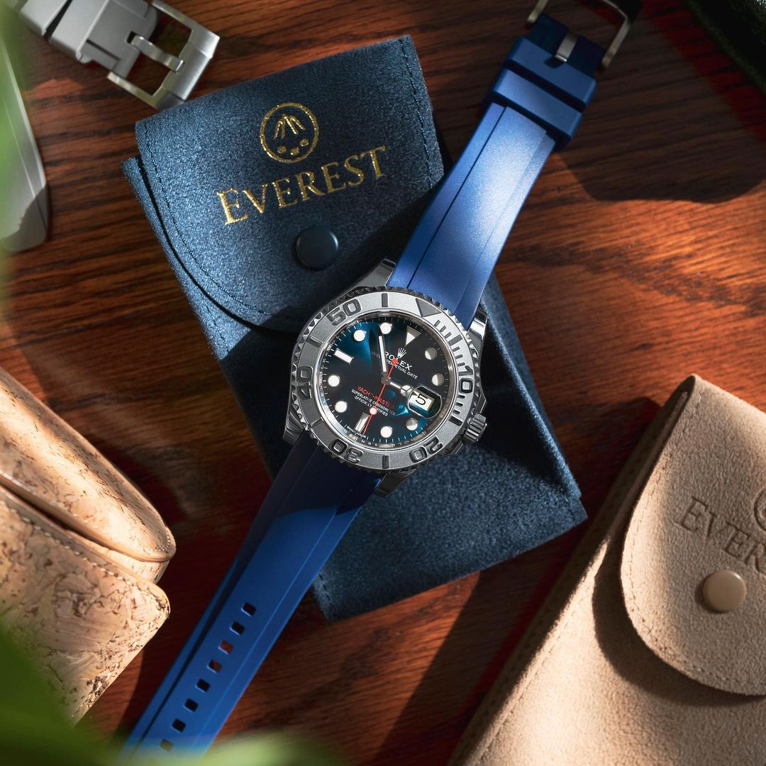 rolex yachtmaster on blue rubber everest band