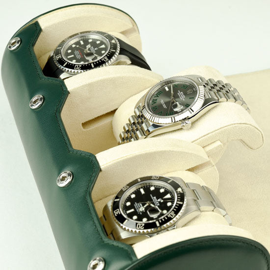 watches inside of Everest watch roll