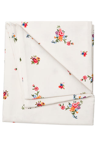 Nicole Phillips England Stone Scattered Roses Tablecloth