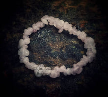 Load image into Gallery viewer, Rose Quartz Chip Bracelet