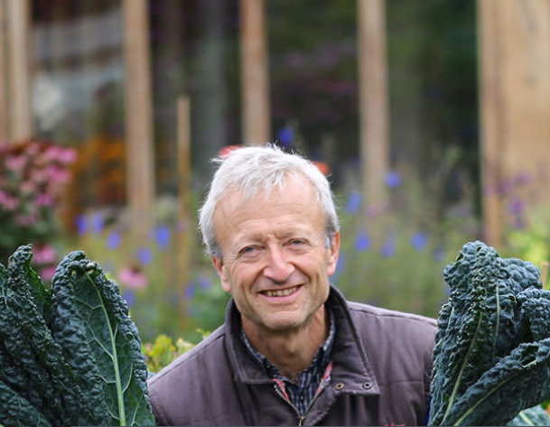 'No Dig' expert Charles Dowding backs New Leaf Compost