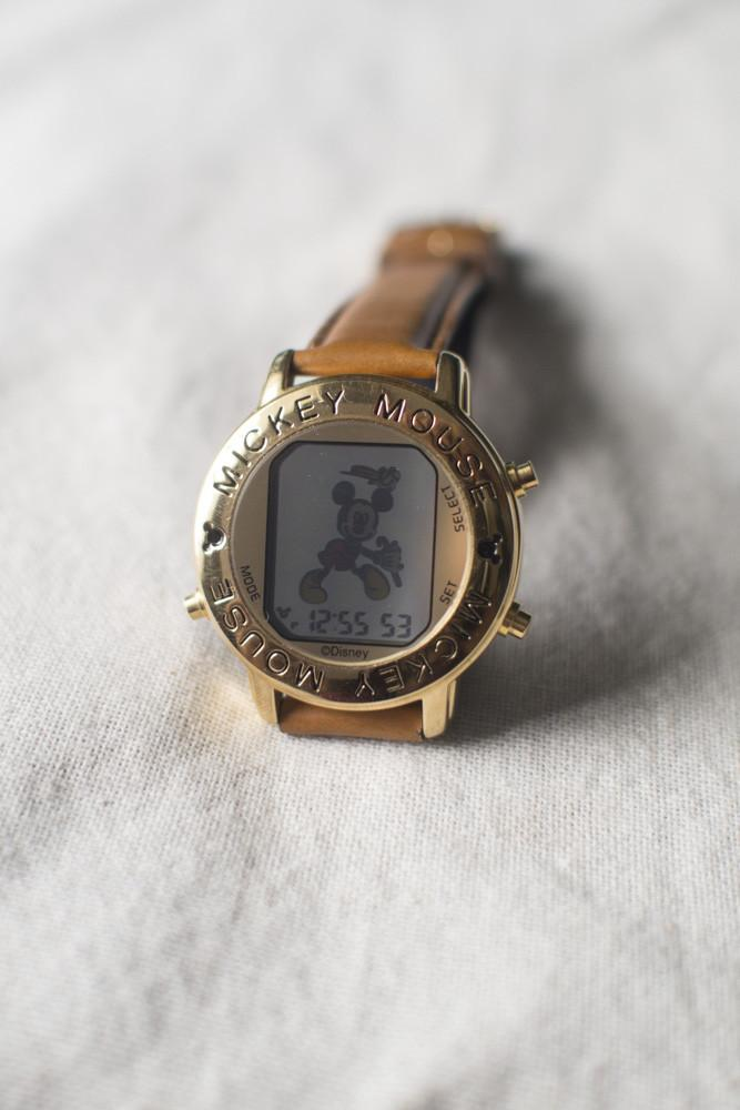Premium Vintage: Mickey Funamation Watch (Gold)