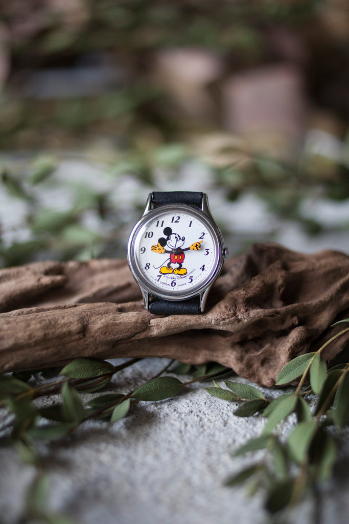 True Vintage: Classic Mickey (Silver/Medium)