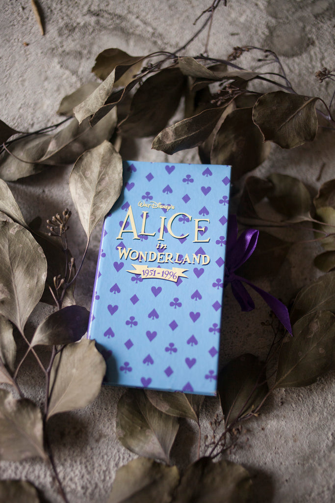 Premium Vintage: Alice in Wonderland