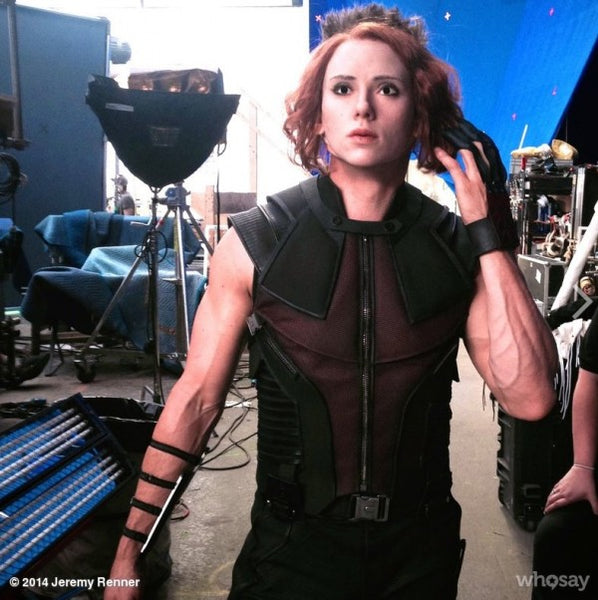 Having fun on set - Hawkeye And Black Widow Baby parody by Haweye himself