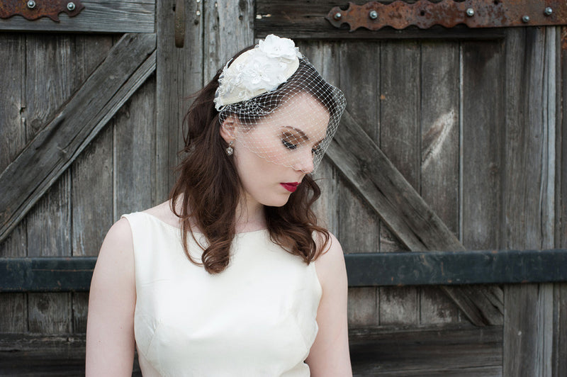 NEW Mellisa hairband & birdcage veil set