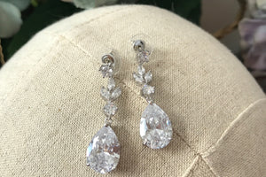 *New* Mary Sparkle Earrings