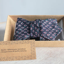 Load image into Gallery viewer, Silk Bow Tie Bow tie made with Silk