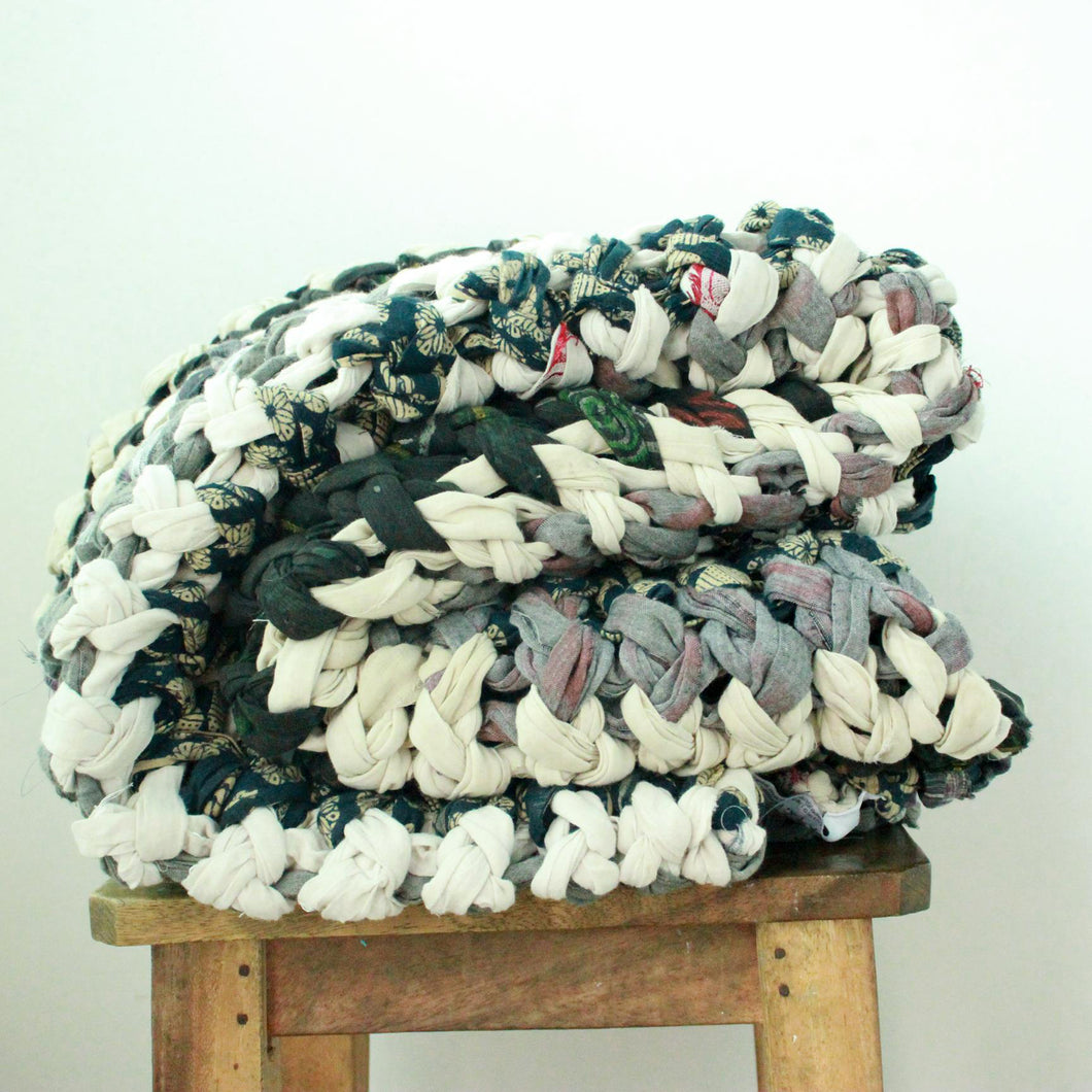 Chunky knit throw blankets in vintage cotton (one of a kind) Blanket Made with - recycled/vintage cotton Neutral Color