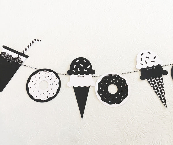 Black & White Sweet Treats Garland