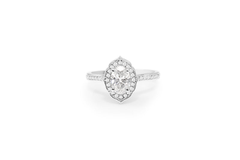 18ct White Gold Oval Vintage Style Halo Ring