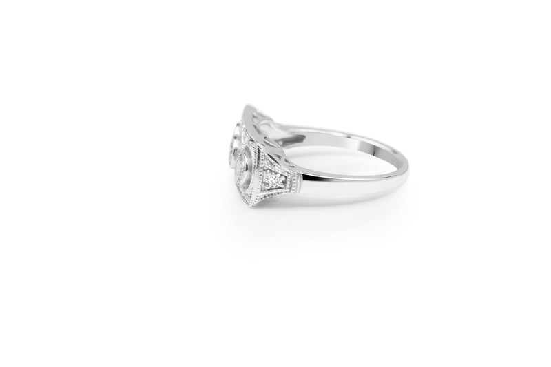 18ct White Gold Art Deco Style Ring