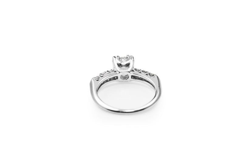 Platinum Vintage Diamond Solitaire