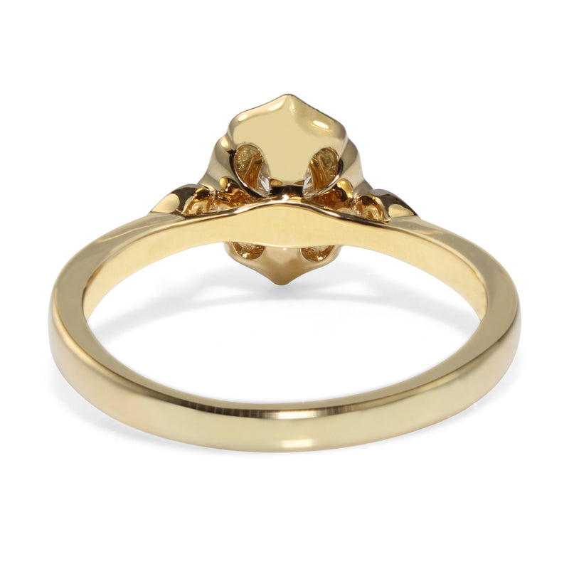 18ct Yellow Gold Vintage Style Oval Halo Ring