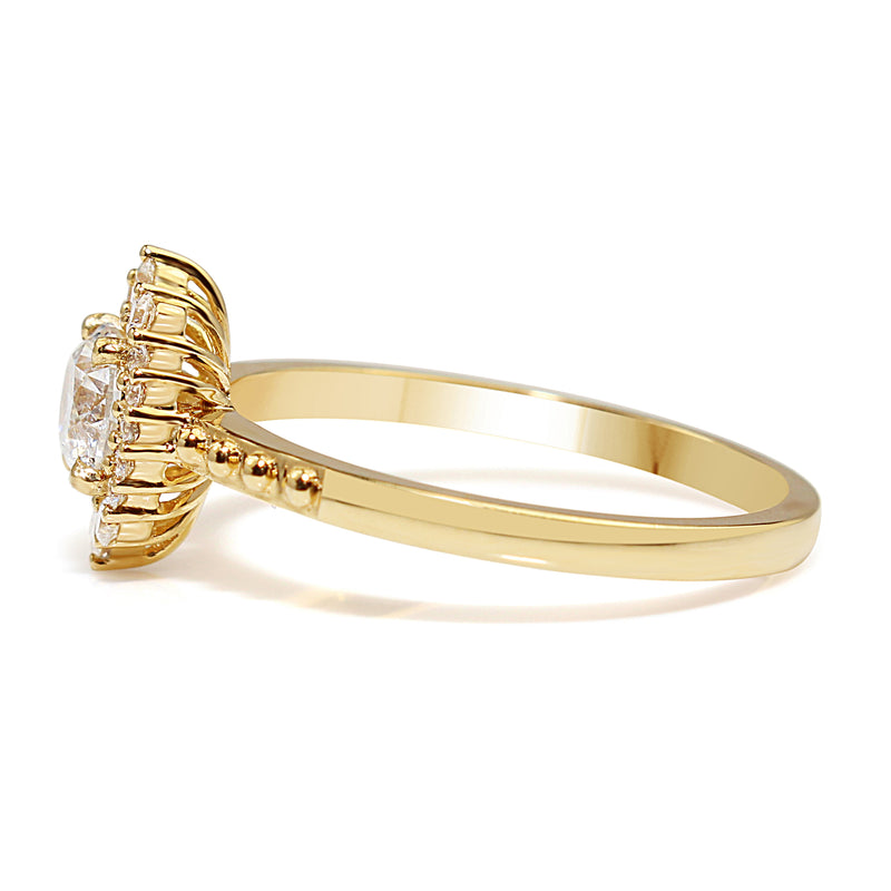18ct Yellow Gold Vintage Style Diamond Halo Ring