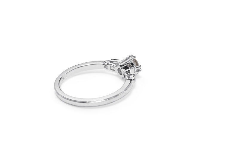 18ct White Gold Vintage Style Diamond Solitaire