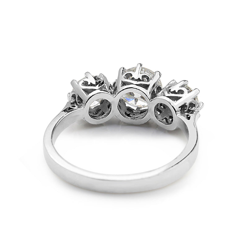 18ct White Gold Victorian Style 3 Stone Diamond Ring