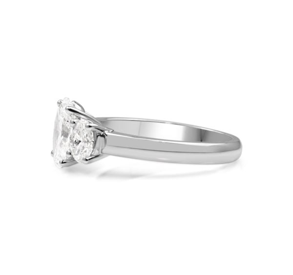 18ct White Gold 3 Stone Oval Diamond Ring