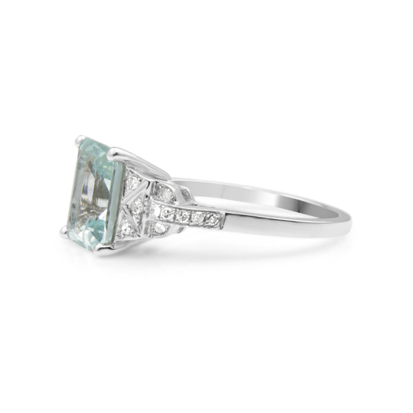 18ct White Gold Deco Style Aquamarine and Diamond Ring