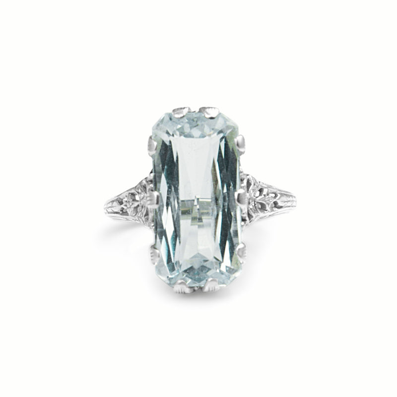 14ct White Gold Late Art Deco Aquamarine Filigree Ring