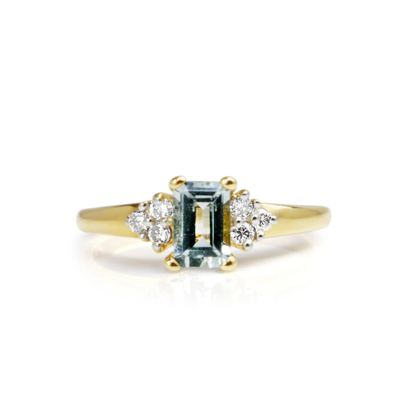 10ct Yellow Gold Aquamarine and Diamond Ring