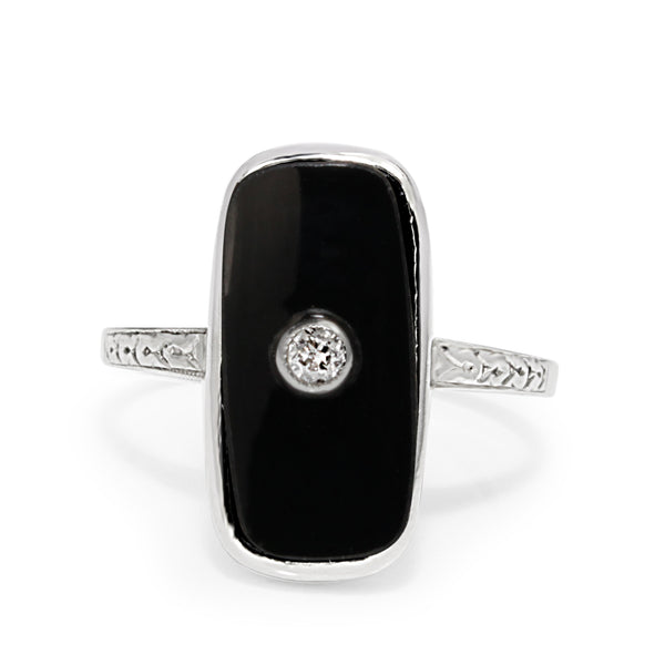 14ct White Gold Vintage Onyx and Diamond Ring