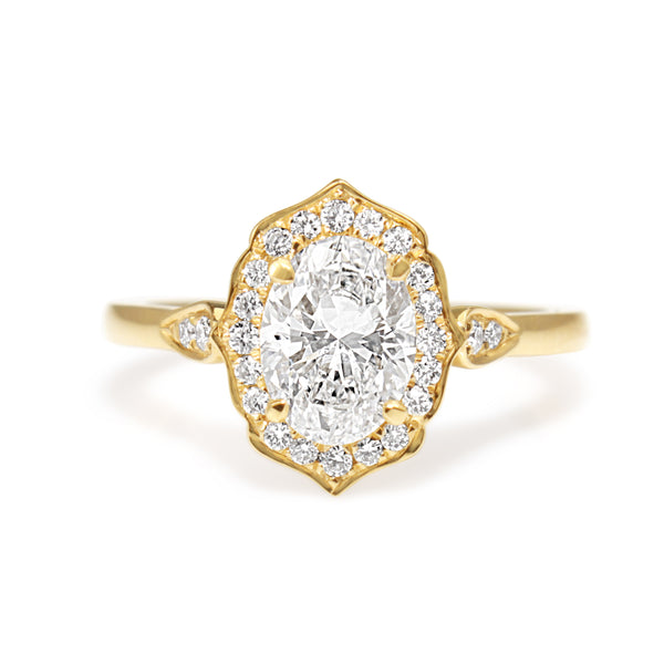 18ct Yellow Gold Oval Vintage Style Halo Ring