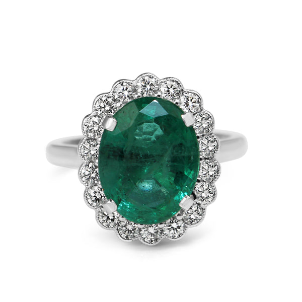 18ct White Gold Emerald and Diamond Daisy Style Ring